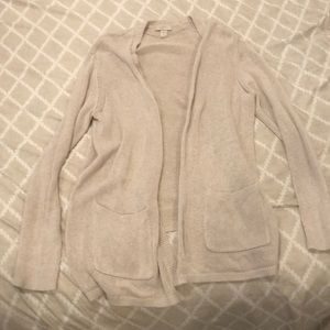 Tan knit sweater with pockets